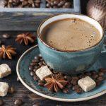 Medikai perspėjo: šiomis dienomis geriau negerti kavos