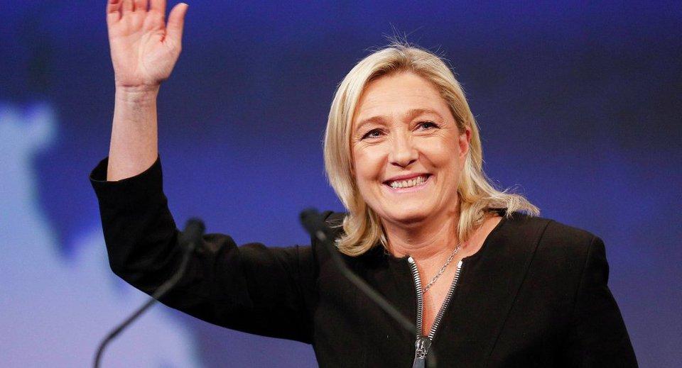 """Le Pen žada siekti """"Frexit"""", jeigu ES negrąžins migracijos ir ekonomikos kontrolės nacionalinėms vyriausybėms"""