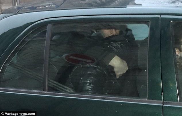 Tarp suimtų asmenų, siejamų su K. Kardašian apiplėšimu, yra jos vairuotojas
