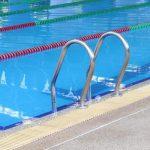 Šveicarijos teismo sprendimas įpareigojo musulmones mergaites lankyti mišrias plaukimo pamokas