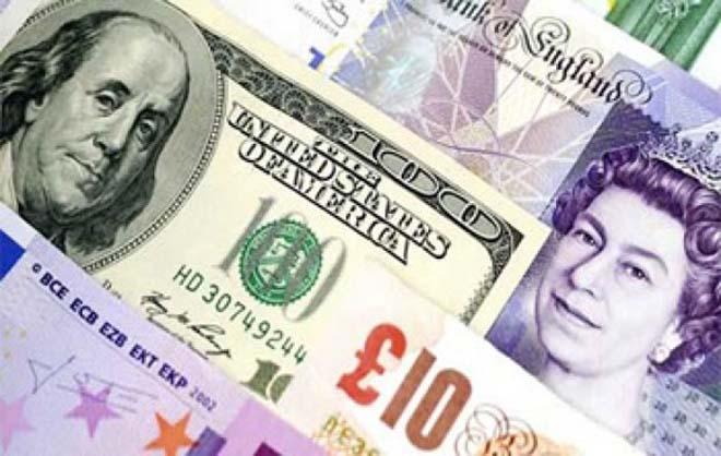 Svaras nežymiai atsigauna, JAV doleris tolsta nuo pasiektų aukštumų