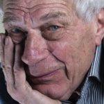 Mirė britų meno kritikas, rašytojas Johnas Bergeris