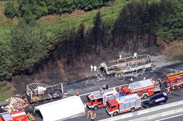 Per Vokietijoje įvykusią autobuso avariją žuvo 18 žmonių